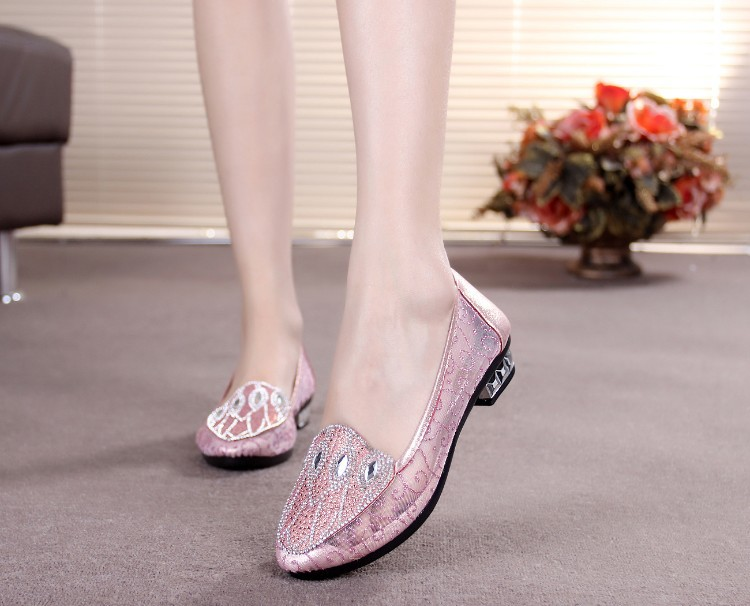 Women's Pink Decorated Pointed Toe Comfortable Flats Shoes