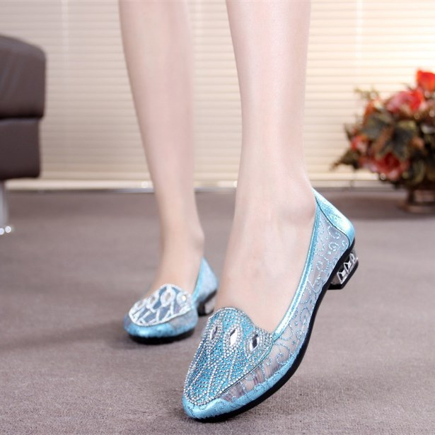 Women's Blue Transparent Decorated Pointed Toe Comfortable Flats
