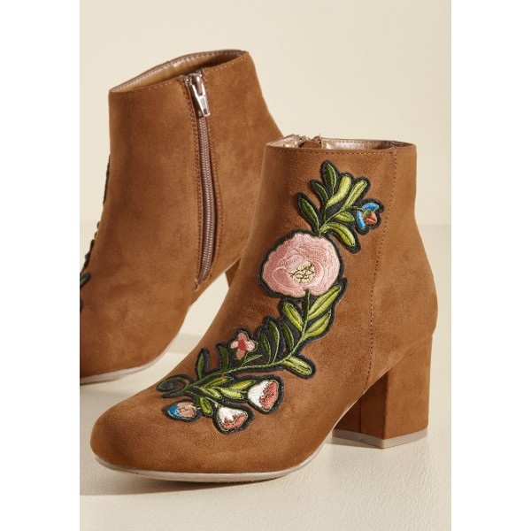 Women's Brown Chunky Heels  Embroidered Ankle Vintage Boots image 5
