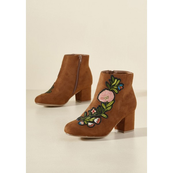 Women's Brown Chunky Heels  Embroidered Ankle Vintage Boots image 2