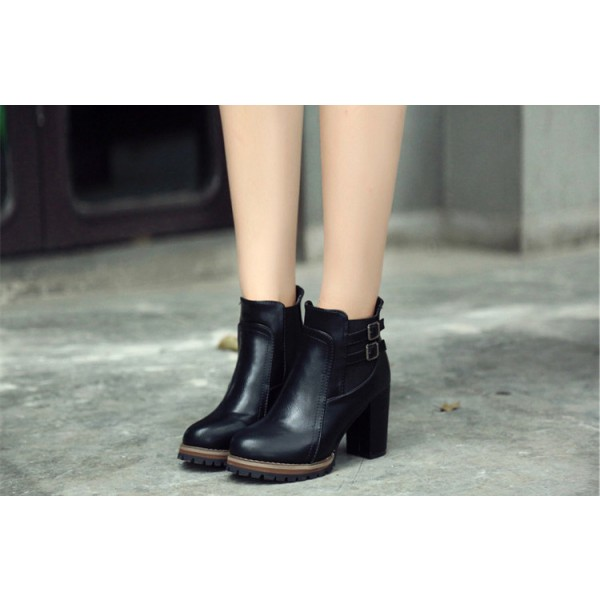 Women's Black Pointed Toe Chunky Heels Ankle Vintage Boots image 3