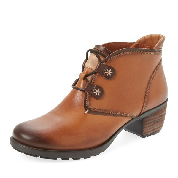 Light Brown Lace-up Flat Vintage Boots image 1