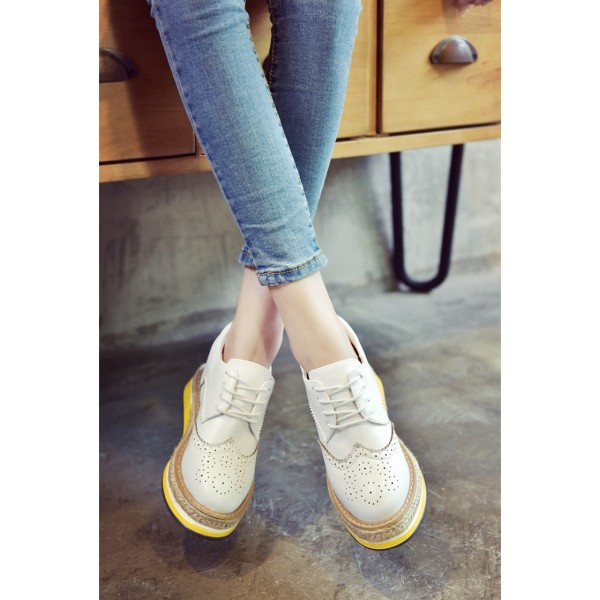 White Round Toe Wingtip Shoes Lace up Vintage Women's Oxfords image 2