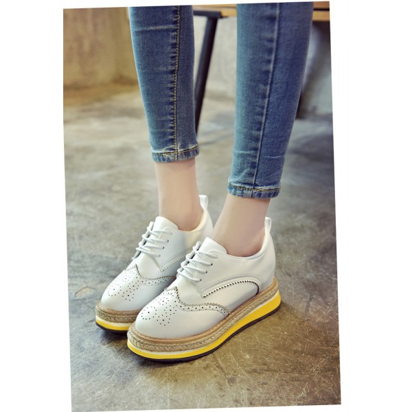 White Round Toe Wingtip Shoes Lace up Vintage Women's Oxfords image 3