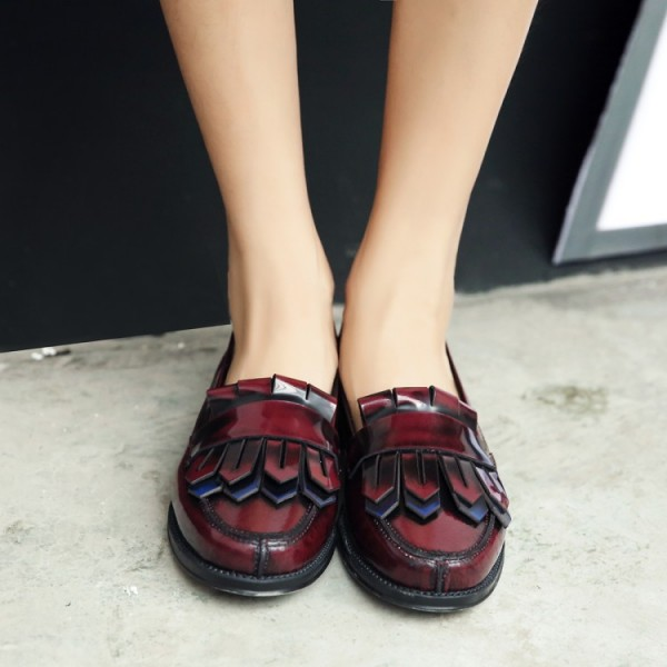 Burgundy Patent Leather Flat Round Toe Fringe Loafers for Women image 2