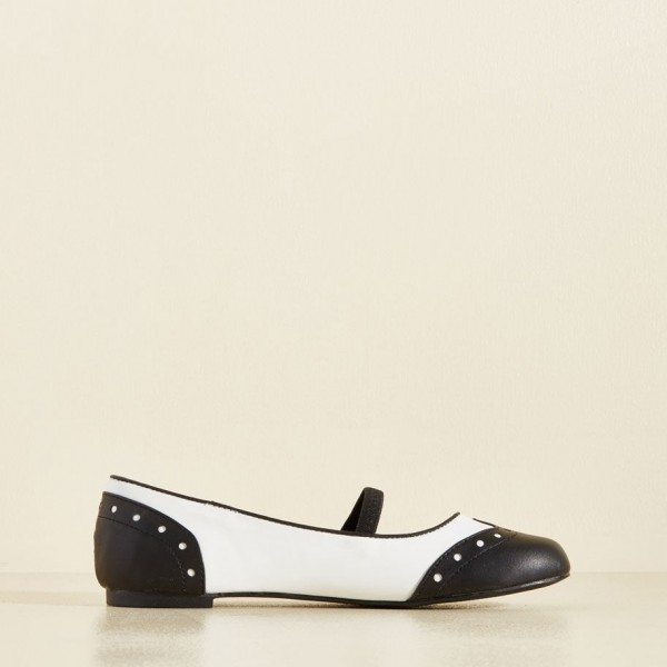 Black and White Comfortable Flats Round Toe Wingtip Vintage Shoes image 2