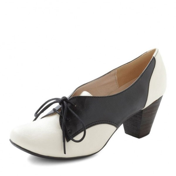 Black and White Oxford Heels Lace up Chunky Heel Vintage Shoes image 1
