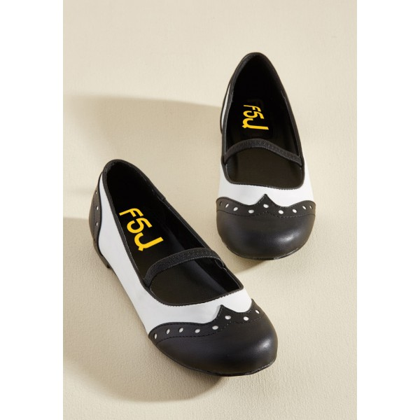 Black and White Comfortable Flats Round Toe Wingtip Vintage Shoes image 5