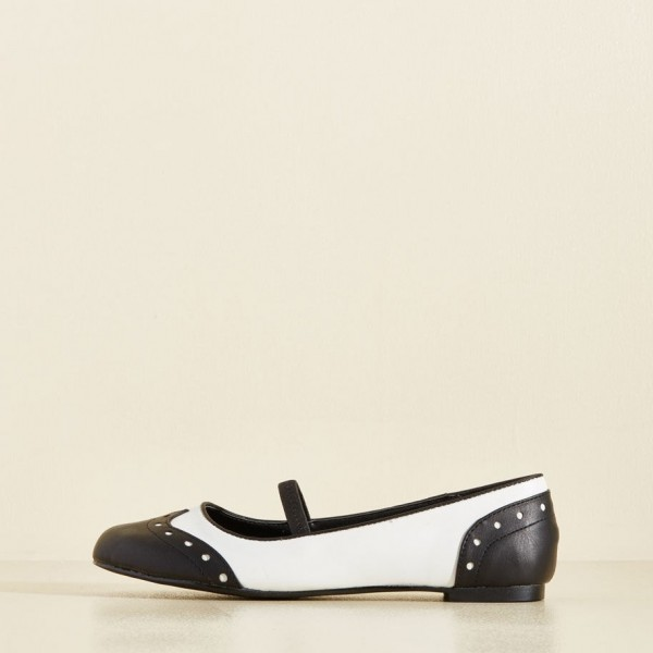Black and White Comfortable Flats Round Toe Wingtip Vintage Shoes image 3
