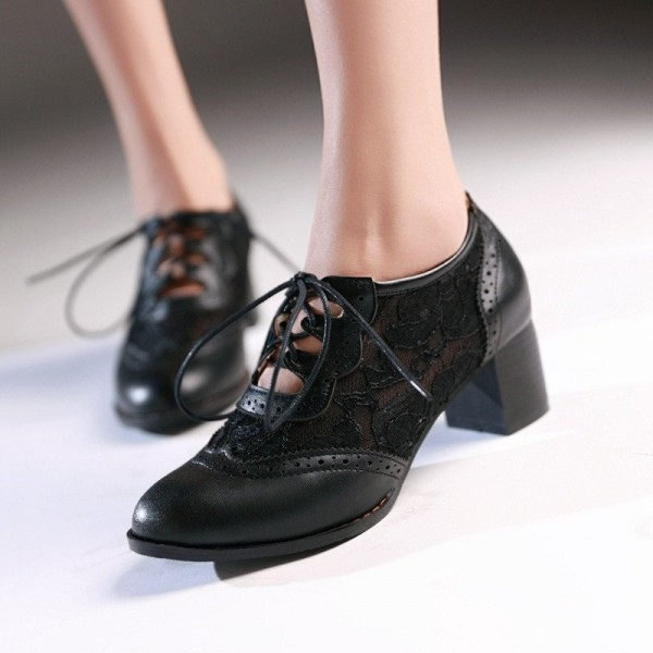 Black Lace Oxford Heels Round Toe Lace up Block Heel Vintage Shoes image 1