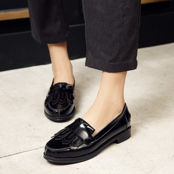 Black Patent Leather Round Toe Retro Flat Fringe Loafers for Women image 2
