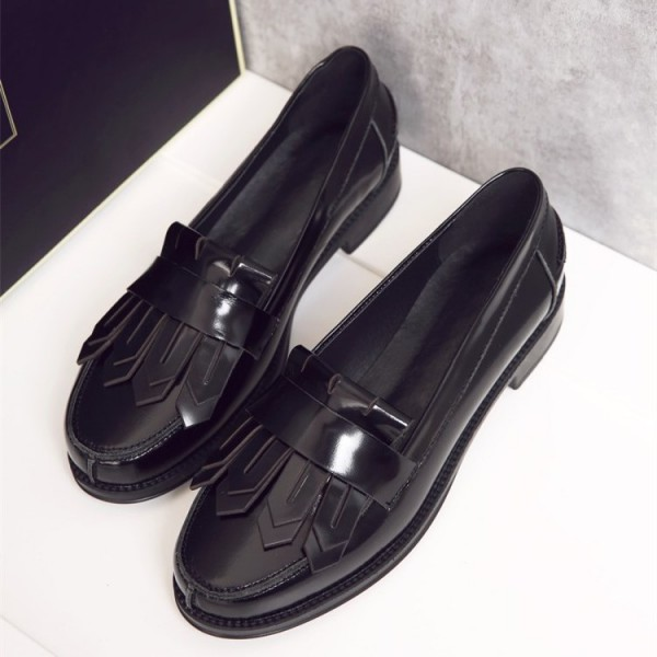 Black Patent Leather Round Toe Retro Flat Fringe Loafers for Women image 3