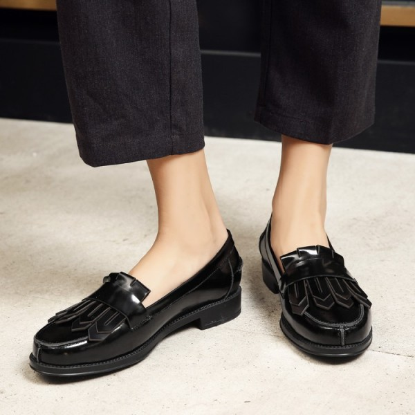 Black Patent Leather Round Toe Retro Flat Fringe Loafers for Women image 4
