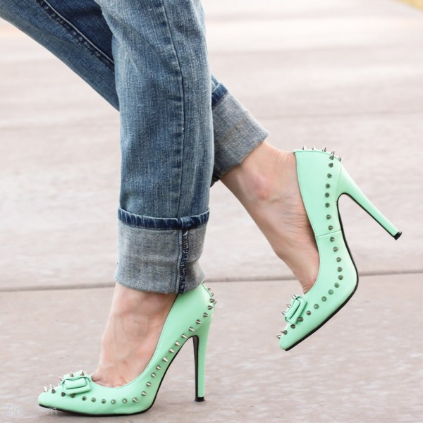 Women's Green Stiletto Heels Pointed Toe Rivets Pumps  image 1
