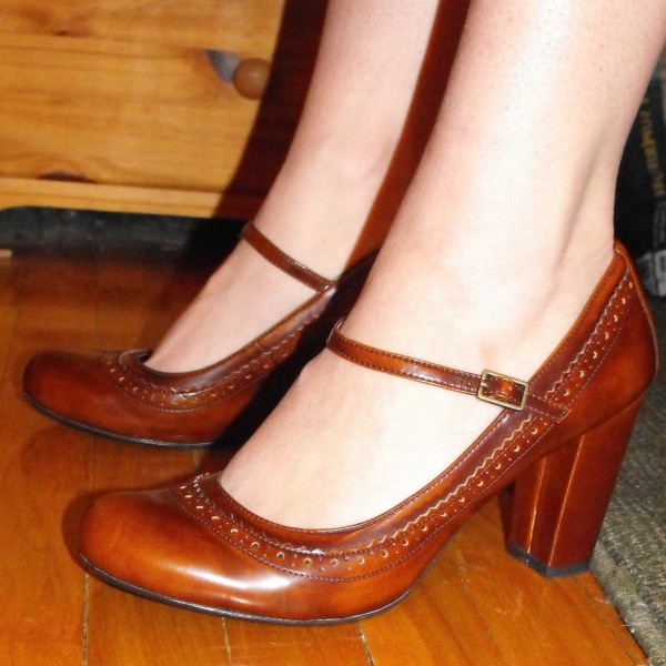Tan Block Heel Hollow Out Mary Jane Pumps image 1