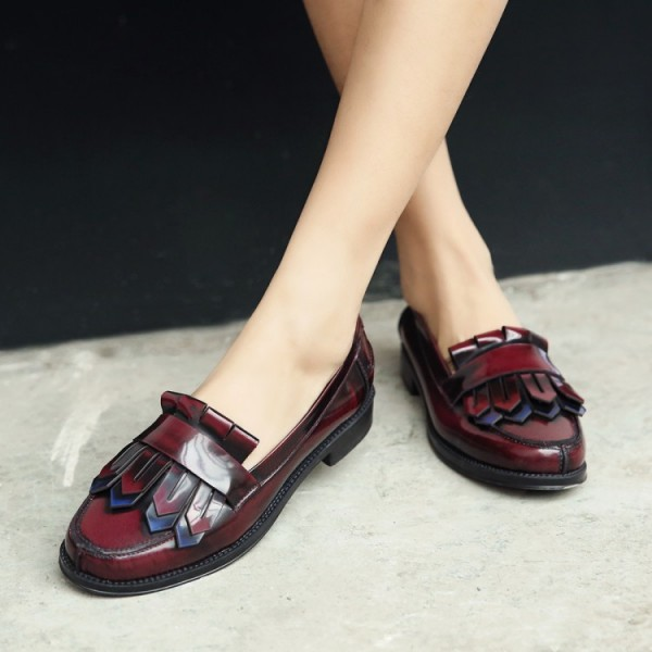 Burgundy Patent Leather Flat Round Toe Fringe Loafers for Women image 1