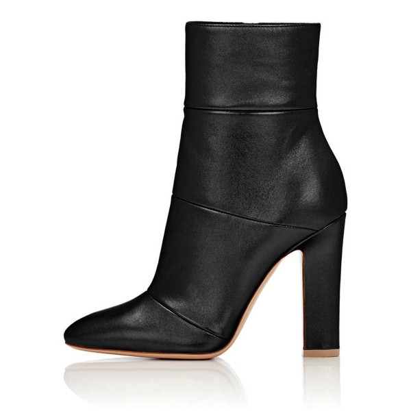 Women's Lelia Black Chunky Heels Side Zip-Up Almond Toe Ankle Booties image 4