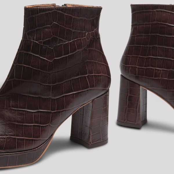 Maroon Textured Vegan Leather Chunky Heel Boots Round Toe Ankle Boots image 4