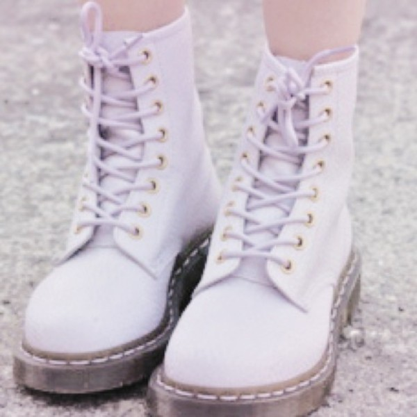 Light Lilac Brogue Boots image 1