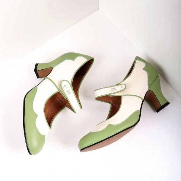 Green and White Mary Jane Heels Vintage Style Chunky Heel Pumps image 3