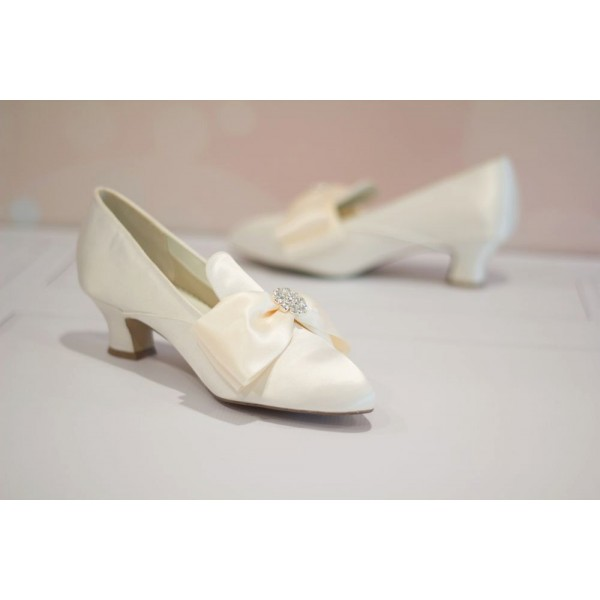 Ivory Wedding Shoes Satin Pointy Toe Spool Heel Vintage Shoes by FSJ image 2