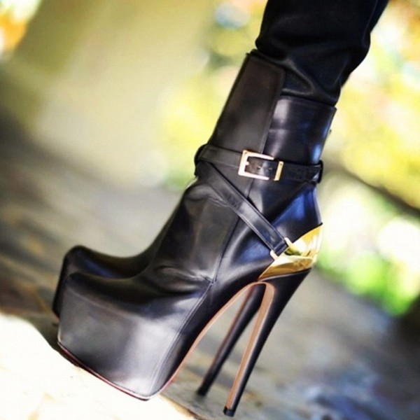 3ee6af5098e0 Black and Gold Fall Boots Closed Toe Crisscross Strap Platform Boots image  1 ...