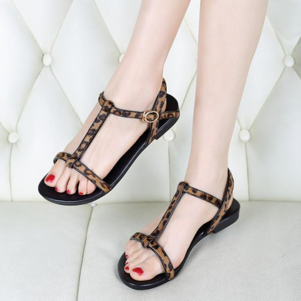 Women's Brown T-strap Leopard Print Flats Sandals image 3