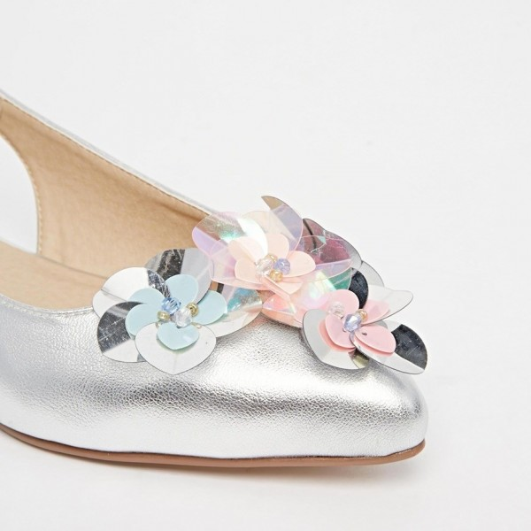 Silver flowery Wedding Shoes Pointy Toe Comfortable Flats Shoes image 3