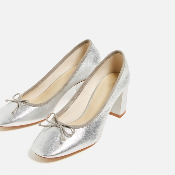 Silver Square Toe Chunky Heel Bow Detailed Basic Pumps image 1
