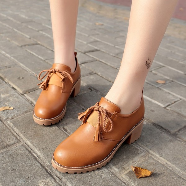Tan Lace-up Women's Oxfords Round Toe