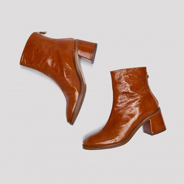 Tan Textured Vegan Leather Chunky Heel Boots Round Toe Ankle Boots image 2