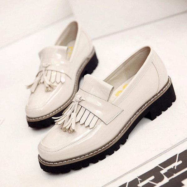 White Whit Tassels Patent Leather Square Toe Vintage shoes image 1
