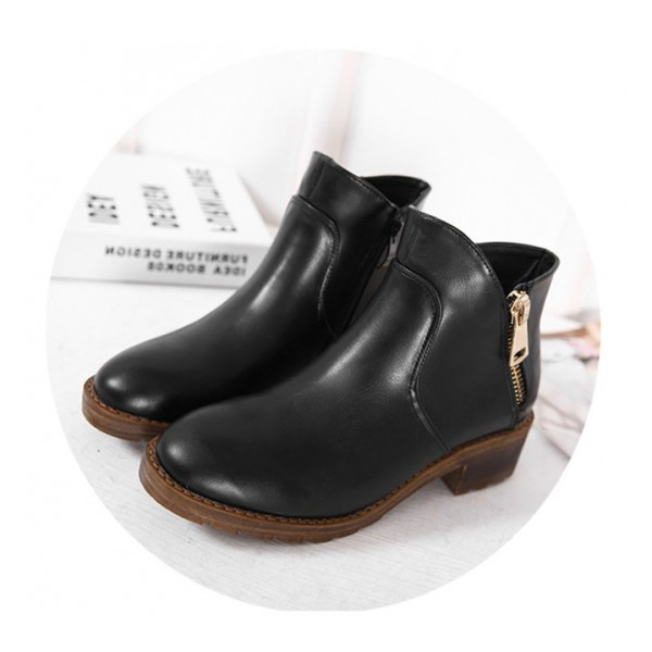 Black Short Boots Round Toe Low Heel Vintage Ankle Boots image 3