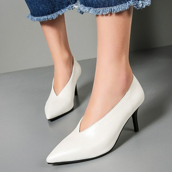 White Vintage Heels Low-cut uppers Pumps Kitten Heels image 1