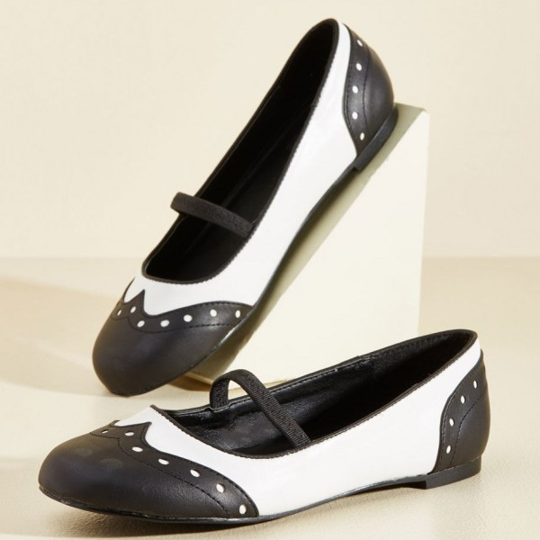 Black and White Comfortable Flats Round Toe Wingtip Vintage Shoes image 1