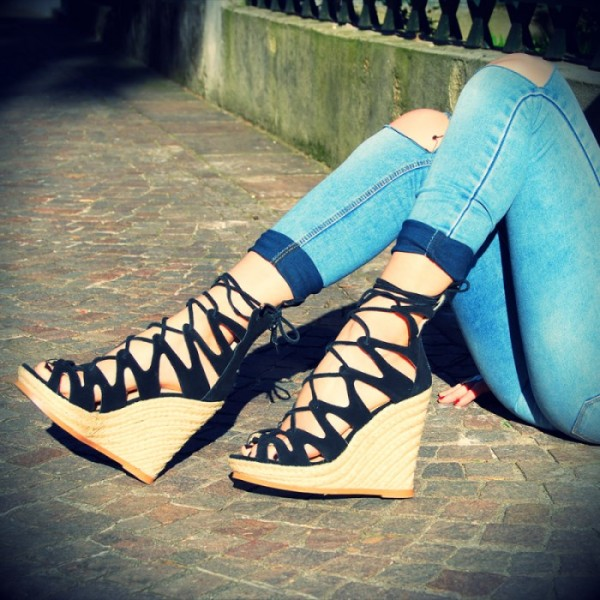 Women's Black Strappy Lace-up Hollow Out Wedge Heels Sandals  image 1