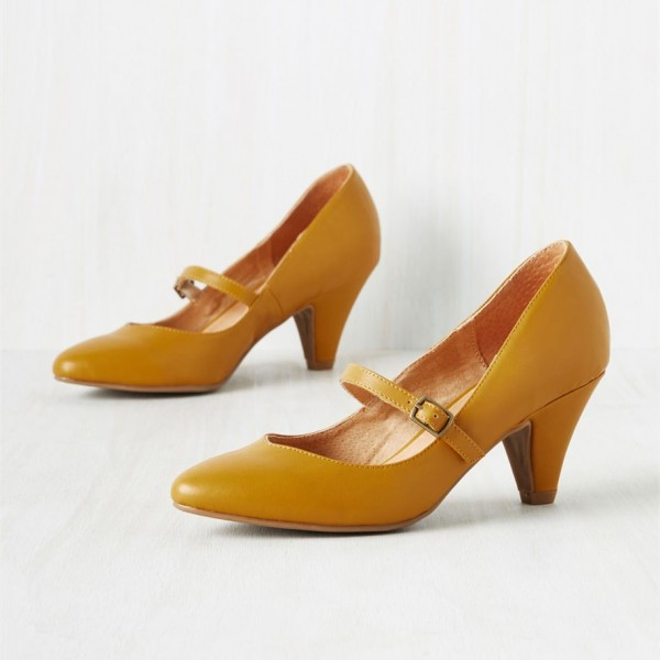 Women's Mustard Low-cut Uppers Mary Jane Heels Vintage Pumps image 1