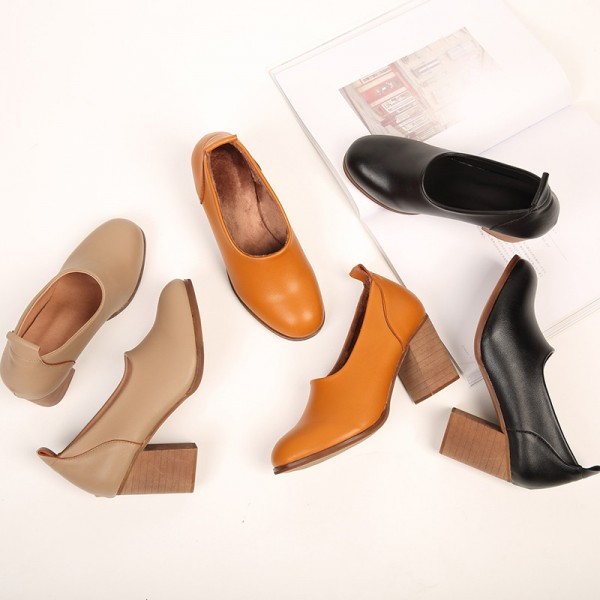 Tan Vintage Heels Round Toe Slip-on Block Heel Pumps image 2