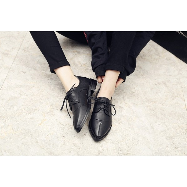 Leila Black Patent Leather Pointed Toe School Shoes Vintage Lace-up Flats image 3