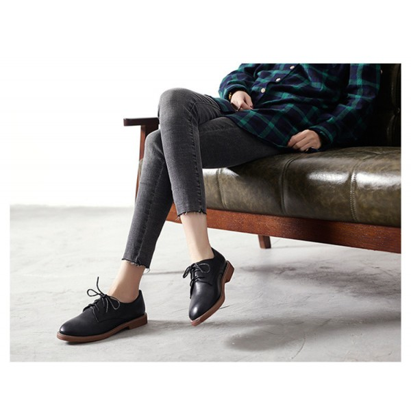 Black Lace-up Women's Oxfords  Round Toe Comfortable Vintage Shoes image 2