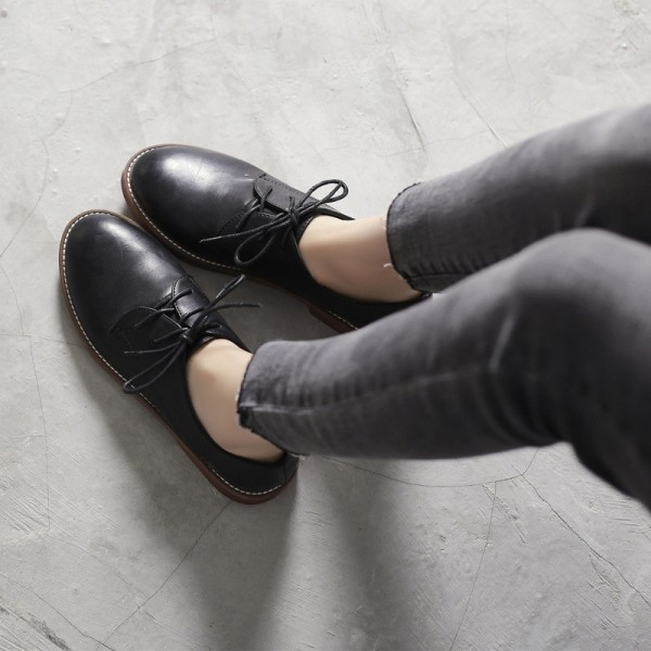 Black Lace-up Women's Oxfords  Round Toe Comfortable Vintage Shoes image 1