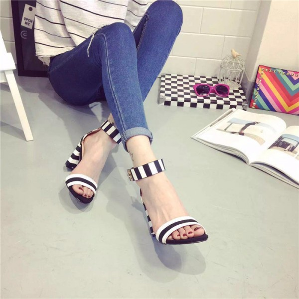 Women's Black and White Heels Ankle Strap Chunky Heel School Shoes image 3