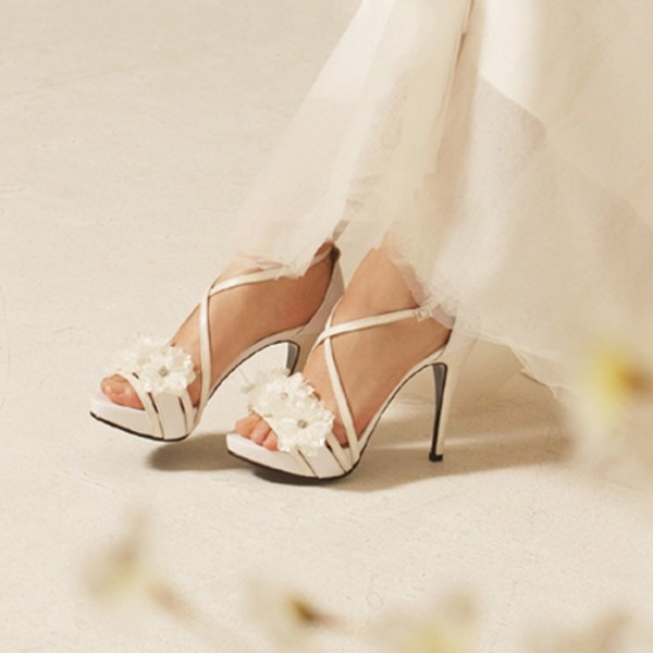 White Bridal Sandals Open Toe Cross Strap Chunky Heel Flower Sandals image 1