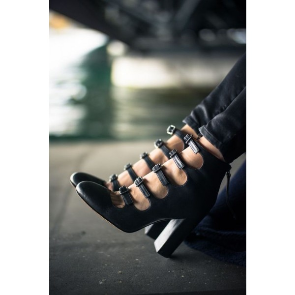 Women's Black Buckle Hollow Out Chunky Heels Shoes image 1