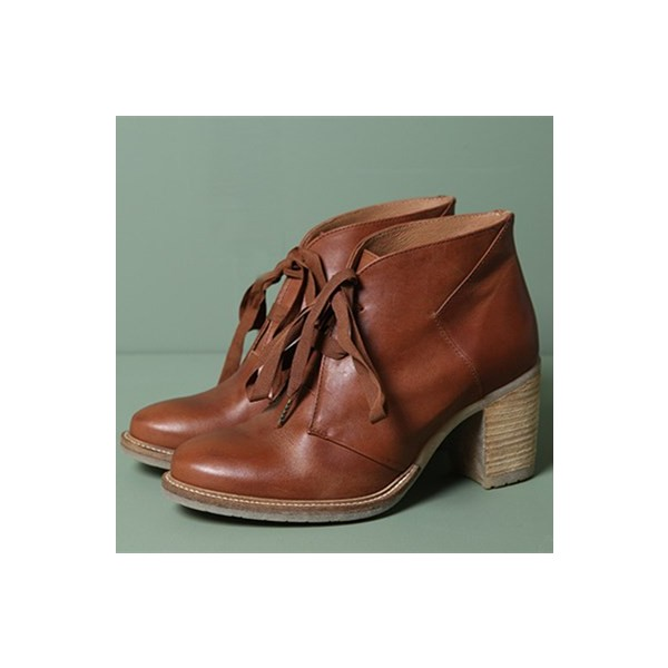 Tan Vintage Boots Lace up Round Toe Chunky Heels for Women image 1