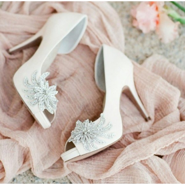 Women's White Platform Rhinestone Flower Stiletto Heel Bridal Heels Pumps image 1