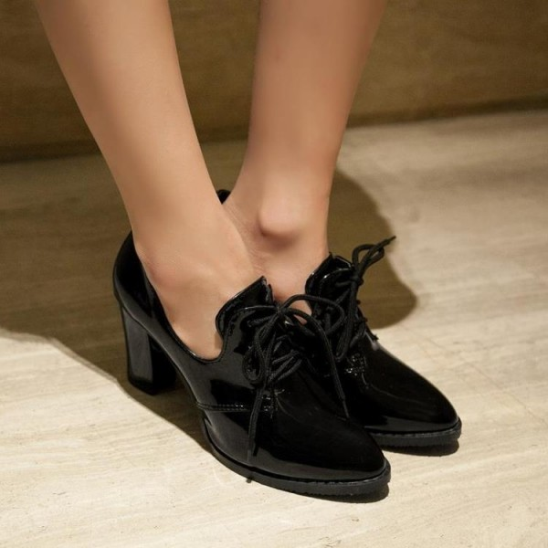 Black Patent Leather Oxford Heels Lace up Chunky Heel Vintage Shoes image 3
