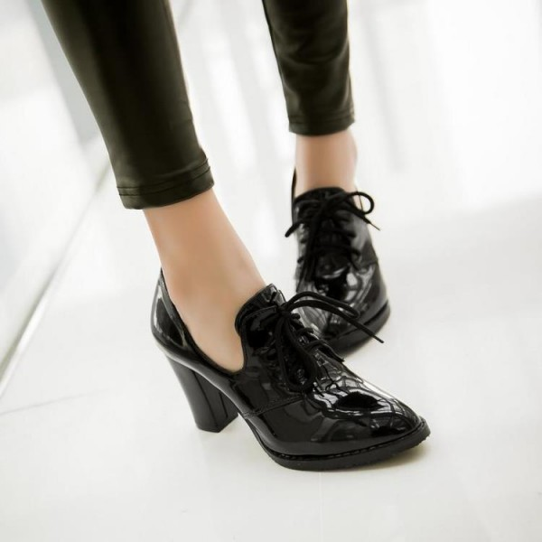 Black Patent Leather Oxford Heels Lace up Chunky Heel Vintage Shoes image 7