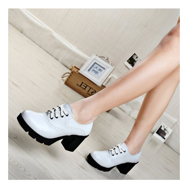 White Block Heel Round Toe Wingtip Shoes Lace up Heeled Oxfords image 1