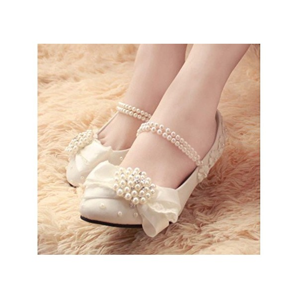 Women's White Lace With Pearl Comfortable Flats Bridal Shoes  image 2